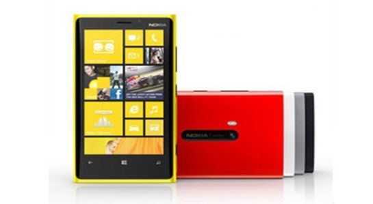 TAHUN DEPAN WINDOWS 8 SIAP GILAS BLACKBERRY